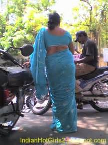 aunty in sarees back view with big gaand picture 13