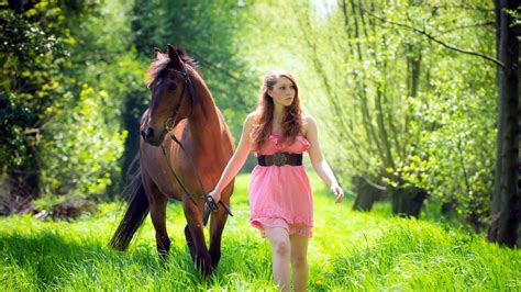 amazon women and girl pony picture 7