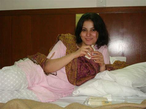 chudasi sexy housewife ka contact no in varanasi picture 2