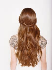 half u half down hair styule picture 7