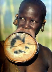 african tribe who use discs in their lips picture 13