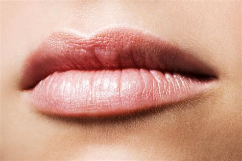 dry lips defitiency picture 9