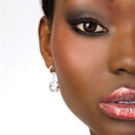applying make up dark skin picture 8