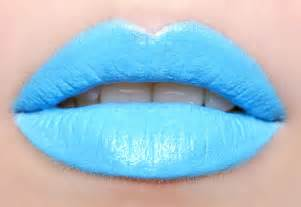 Blue lipstick lips picture 1
