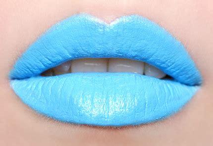 Blue lipstick lips picture 10