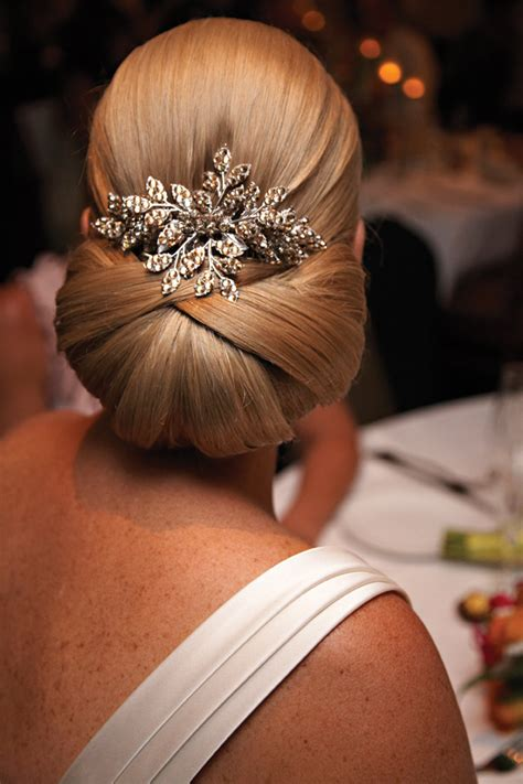 smooth sleek sexy glam prom hair picture 9