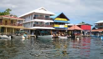 isla colon panama picture 3
