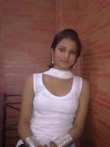 s college girl ki farm house par sex picture 2