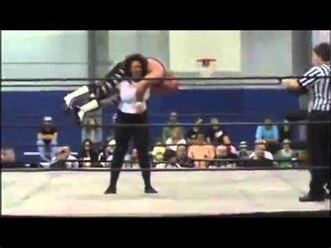 women wrestling lift picture 11
