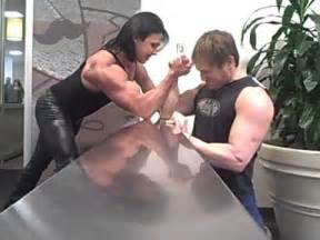 female muscle mixed fights picture 3