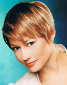 short female hair cut styles for 06 picture 14