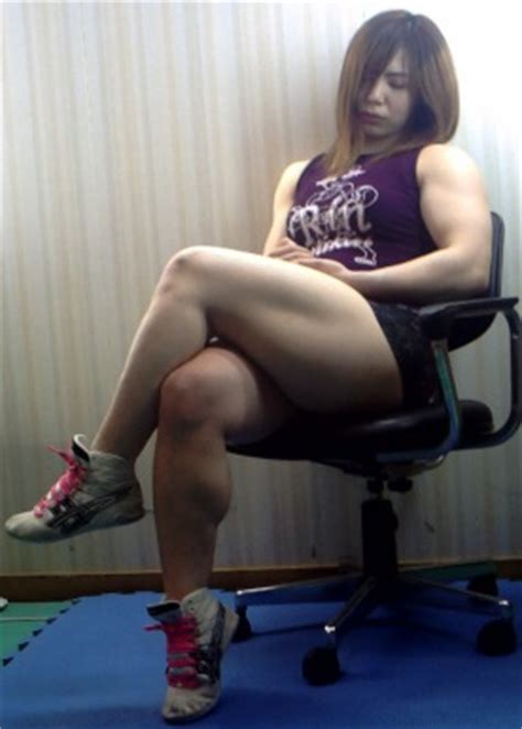 female normal muscular legs normal picture 5