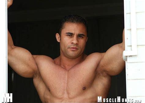 alejandro vega musclehunks picture 3
