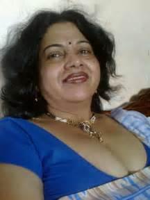 wife ki saheli ke breast dabaye picture 10