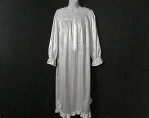 amanda stewart brand nightgowns picture 9