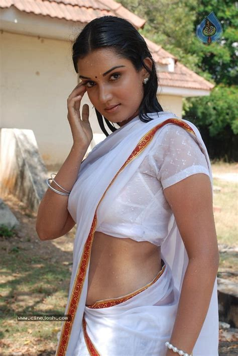 asha sharth hot sex saree side view pose picture 8