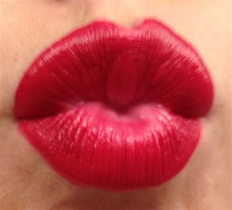 Hot red lips picture 11