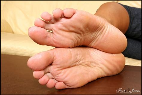 themousepad long toenails picture 6