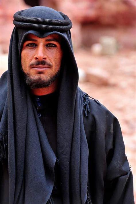 arab men on picture 9