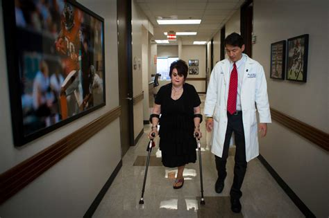 amputee women leg prosthesis picture 11