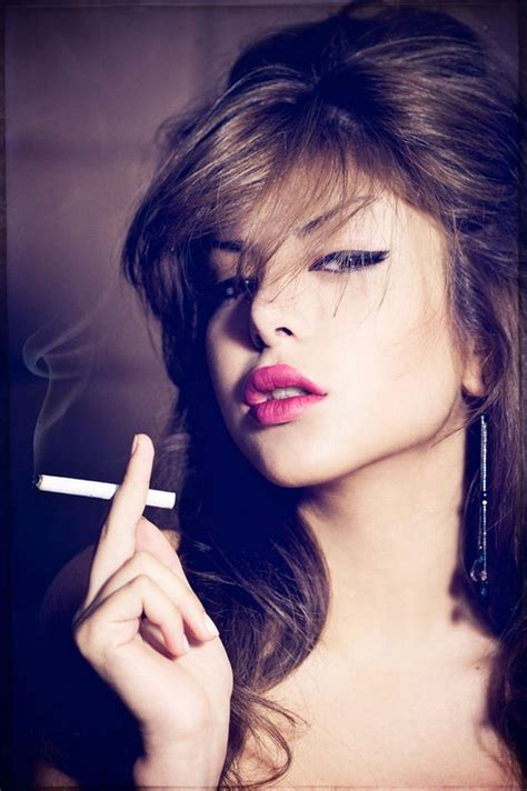 smoking and muslim women picture 13