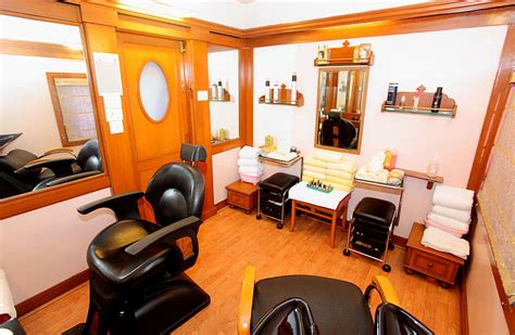 operating a beauty business from home picture 1