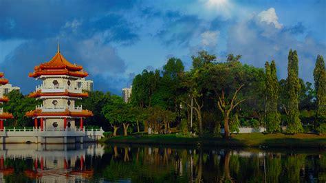 profollica singapore picture 5