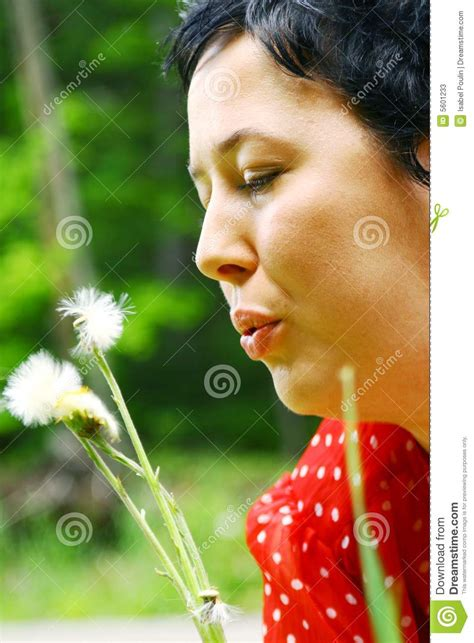 women's with dandelions picture 13