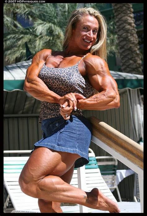 female muscle growth saradas picture 11