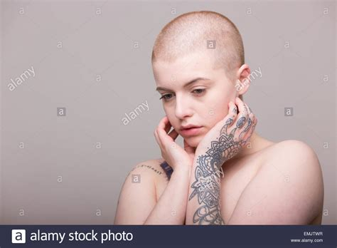 fulker shaved head women picture 4