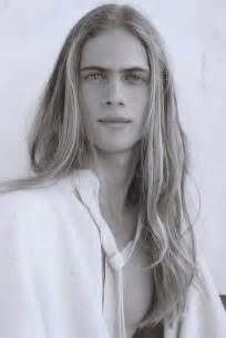 males long hair picture 18