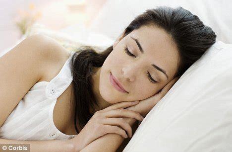 women found sleeping picture 10