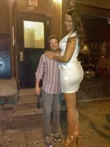 minigiantess woman amazon vs small man picture 9