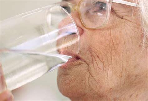 bladder infection in elderly older women picture 1
