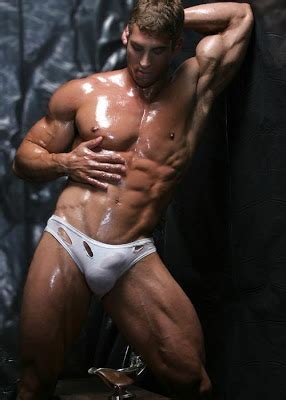 visible penis line of spanish muscle guys males picture 2