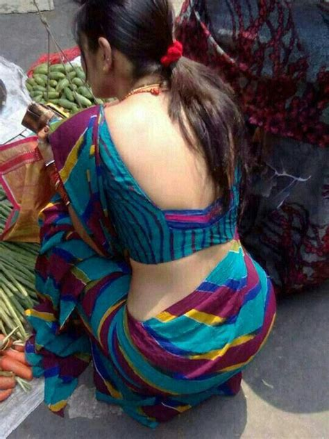 aunty in sarees back view with big gaand picture 12
