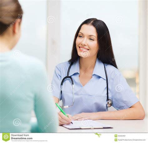 female doctors n nurses on mediatram picture 1