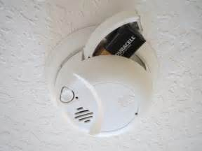 smoke alarm batteries recommendations picture 3