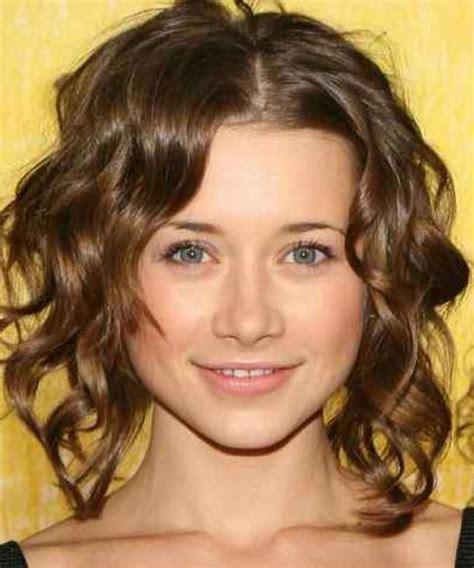 medium length wavy hair picture 5