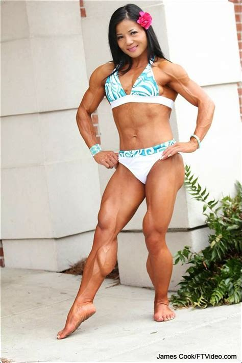 women with muscular legs picture 14