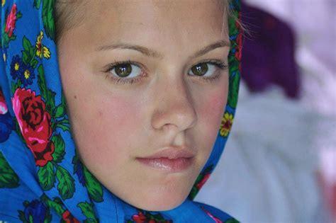 femei in romania picture 15
