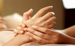 causes of hand and joint pain picture 3