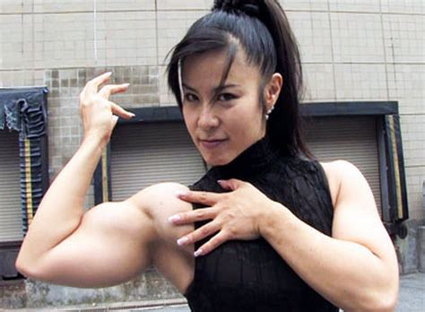 asian female bodybuilder picture 10