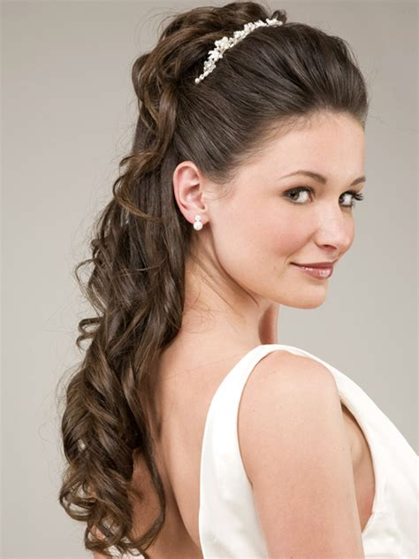 bridesmaid hair picture 10