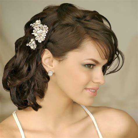 hairstyles for medium length hair for weddings picture 3