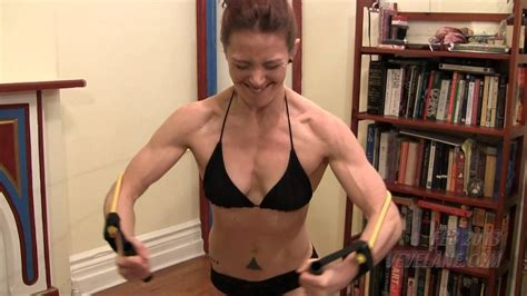 women with muscular breast picture 5