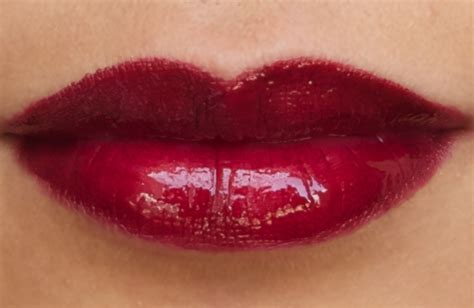 red glossy lips picture 10