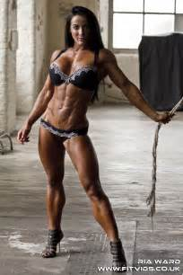 female bodybuilder for muscle posing sessions picture 5
