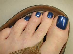 men covering nail fungus polish picture 13