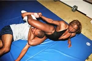 wrestling scissors women muscle picture 2